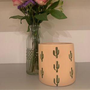 Small Light Pink Cactus Print Vase 🌵